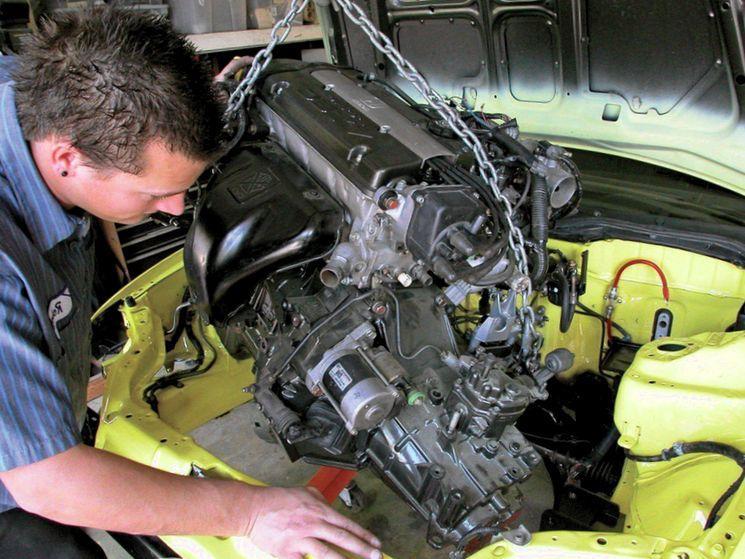 Как проводится замена ДВС автомобиля